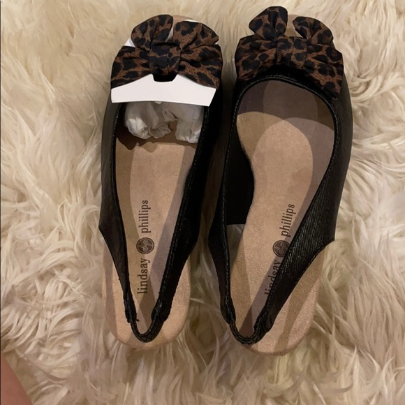 Black espadrilles with removable with button